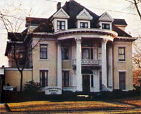 The former Arnold-Lynch Funeral Home